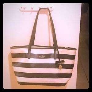 MAKE AN OFFER!! Kate spade Striped Tote